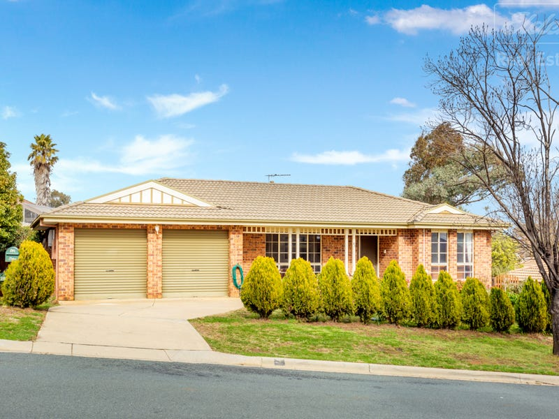 25 Furlong Road, Queanbeyan West, NSW 2620