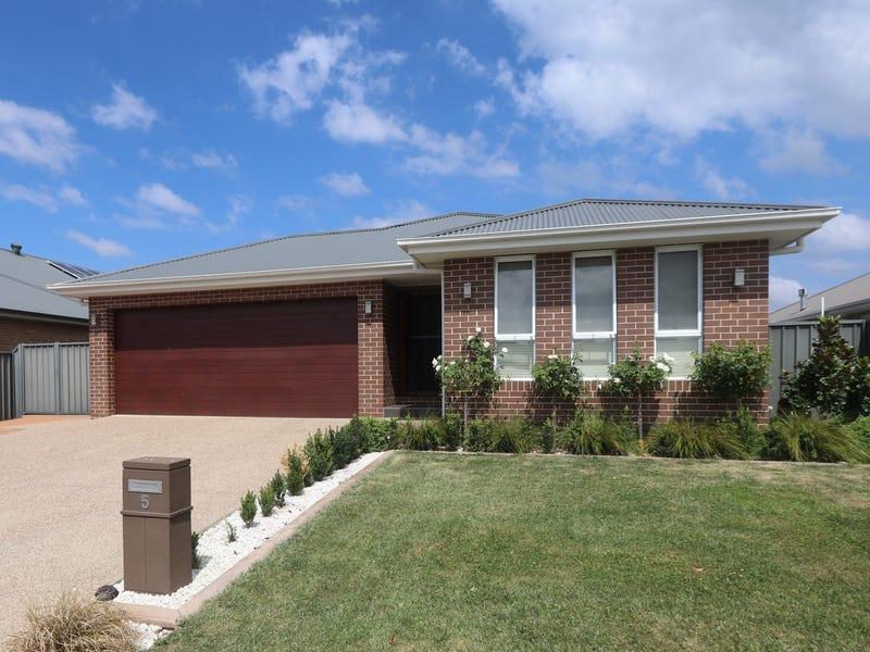 5 Mewburn Drive, Goulburn, NSW 2580