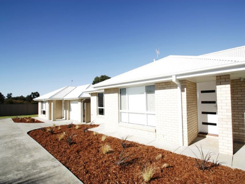 Unit 2 80 Messenger Avenue, Boorooma, NSW 2650