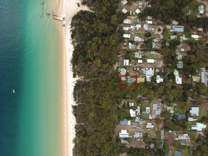 85 The Strand, Bulwer, Qld 4025