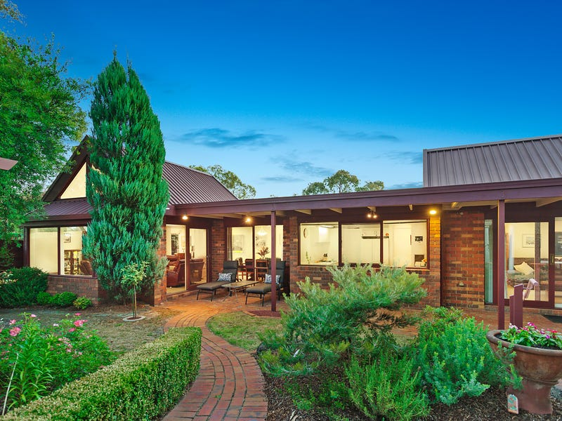 10 Gregory Mews, Forest Hill, Vic 3131
