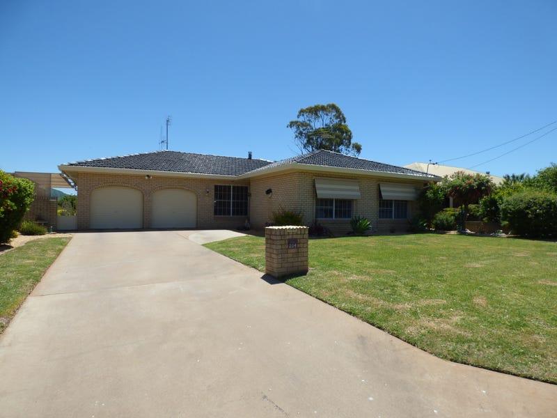 204 Farnell Street, Forbes, NSW 2871