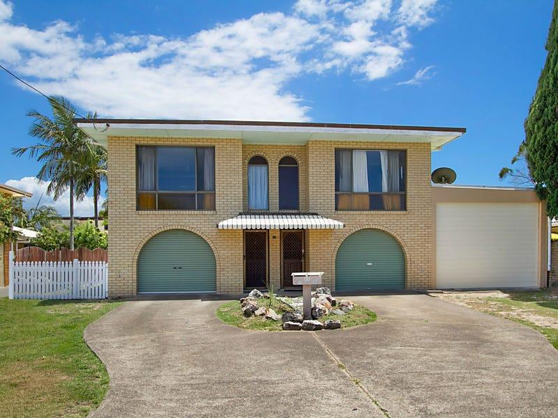 11 Walker Avenue, Palm Beach, Qld 4221