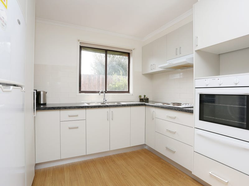 6/76-80 Parer Road, Airport West