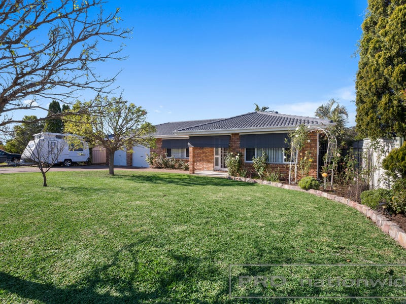 7 Singleton Avenue, Thornton