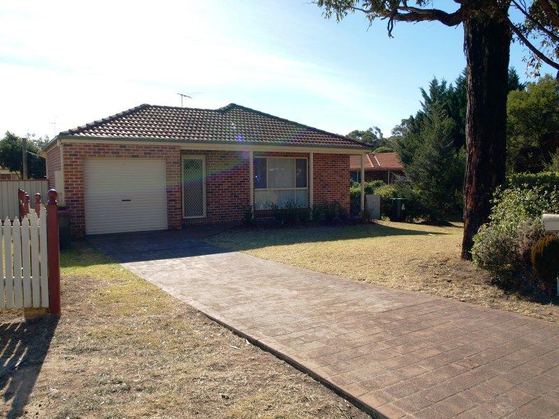 8B Baroo Street, Thirlmere, NSW 2572