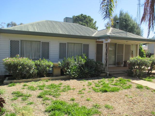28 Broad Street, Coonamble, NSW 2829