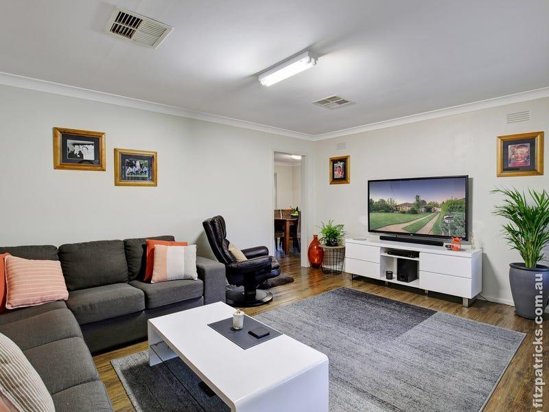 15 Leavenworth Drive, Mount Austin, NSW 2650