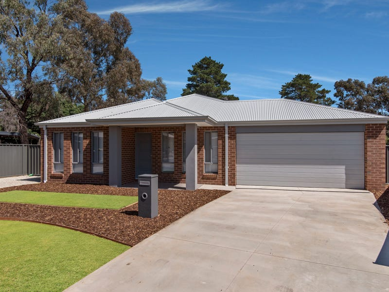 4 Chaplin Court (off Abbey Close), Eaglehawk, Vic 3556