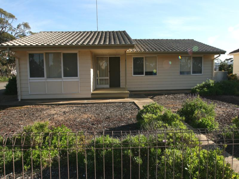 1 Railway Terrace, Bute, SA 5560