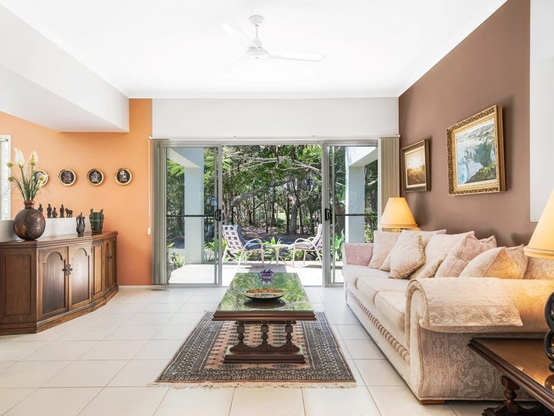 2 Prestwick Drive, Twin Waters, Qld 4564