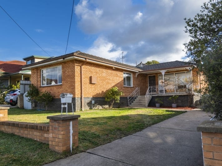 22 Christopher Crescent, Queanbeyan, NSW 2620