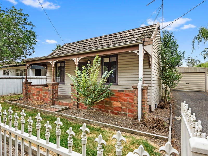 15 Melbourne Road, Brown Hill, Vic 3350
