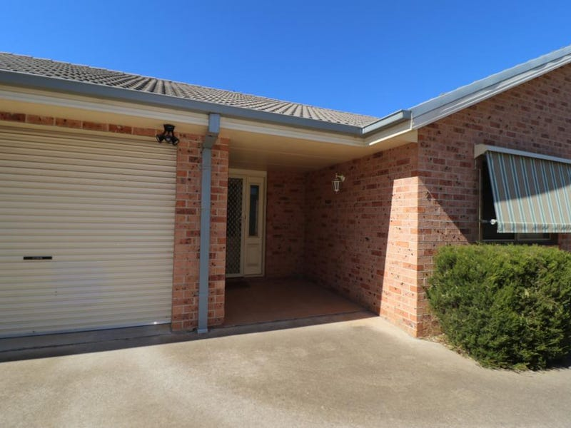 2/2A CLOETE STREET, Young, NSW 2594