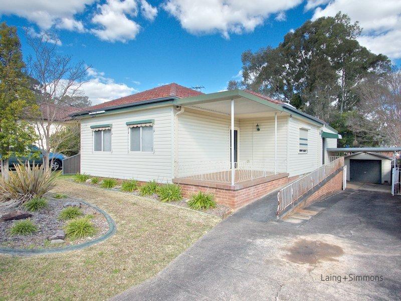 12 birtles avenue pendle hill nsw 2145 property details. Black Bedroom Furniture Sets. Home Design Ideas