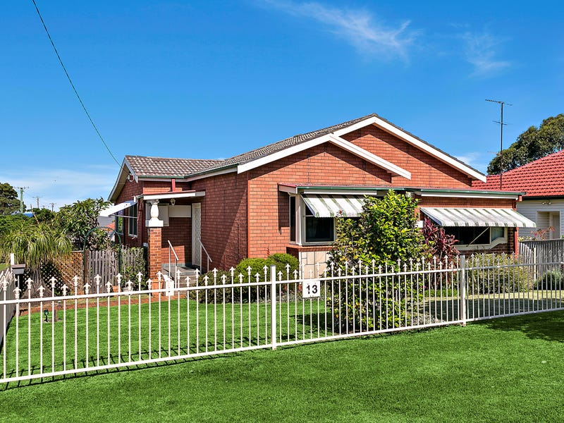 13 McKenzie Avenue, Wollongong, NSW 2500