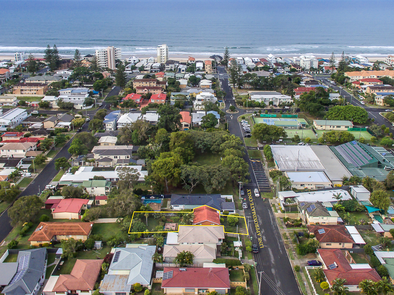 39 Eleventh Avenue, Palm Beach, Qld 4221