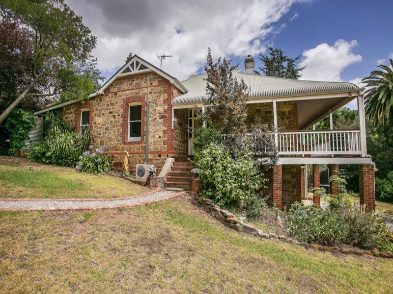 15 Dorham  Road, Blackwood, SA 5051