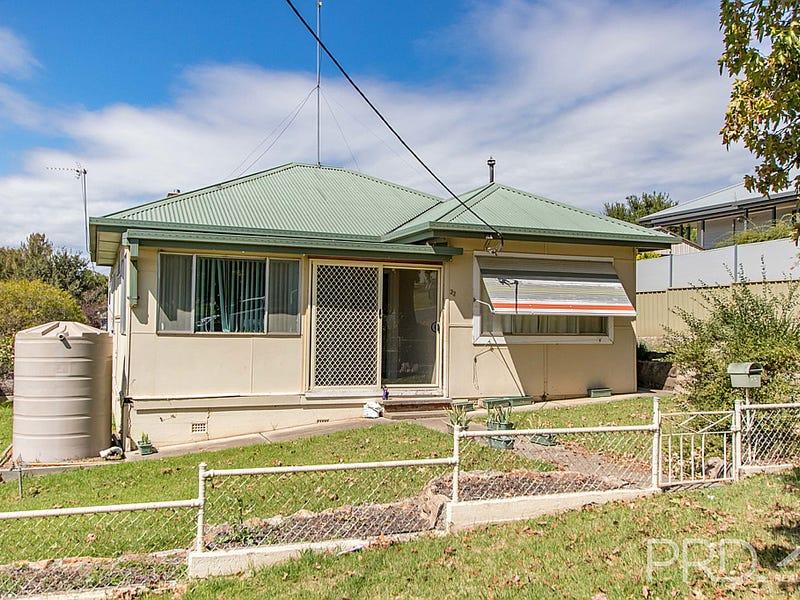 22 Clarke Street, Tumut, NSW 2720