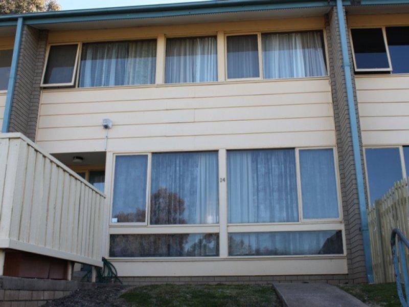 24 Middlemiss Place, Bathurst, NSW 2795