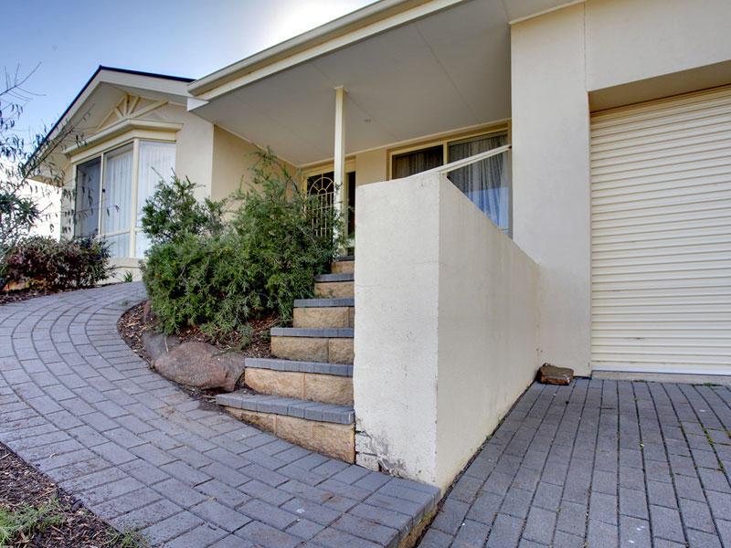 2 Ridge Place, Aberfoyle Park, SA 5159