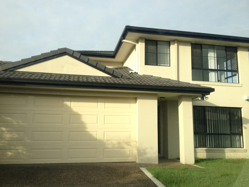 2/6 Crosby Avenue, Pacific Pines, Qld 4211