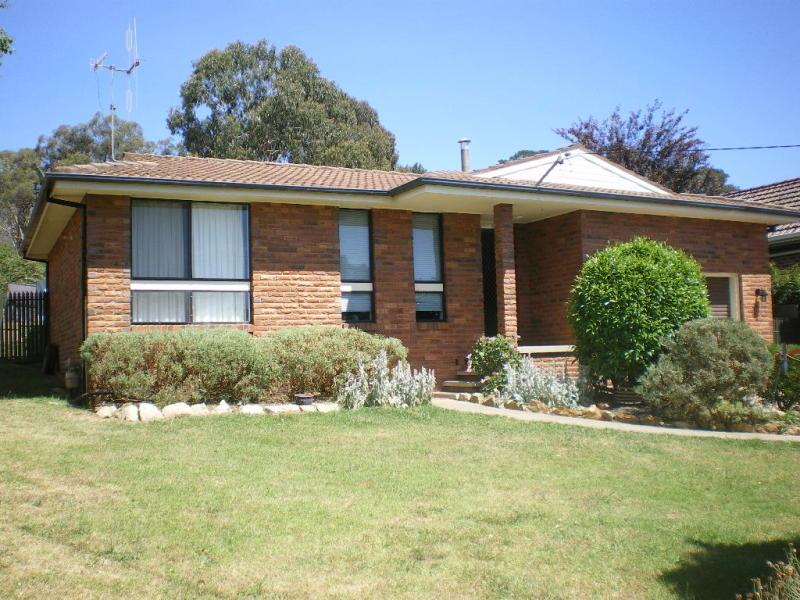 28 CATHCART STREET, Goulburn, NSW 2580