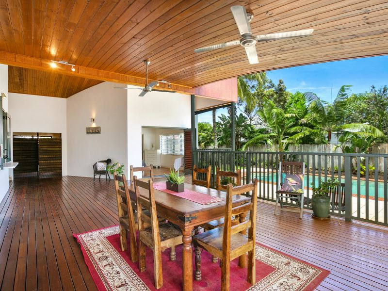38 Christensen Street, Machans Beach, Qld 4878