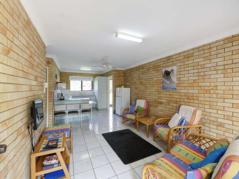 6/83 Mackerel Street, Woodgate, Qld 4660