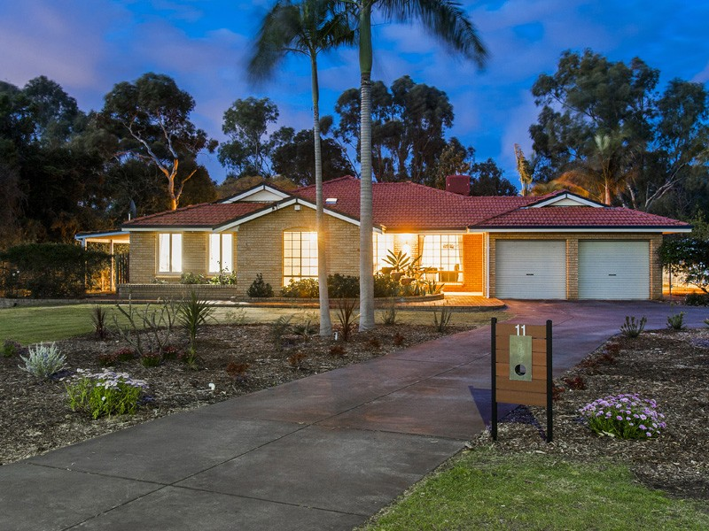 11 Sunrise Heights, Maida Vale, WA 6057