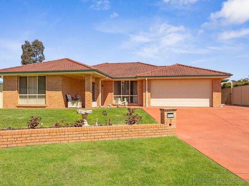 3 Glover Crescent, Metford, NSW 2323