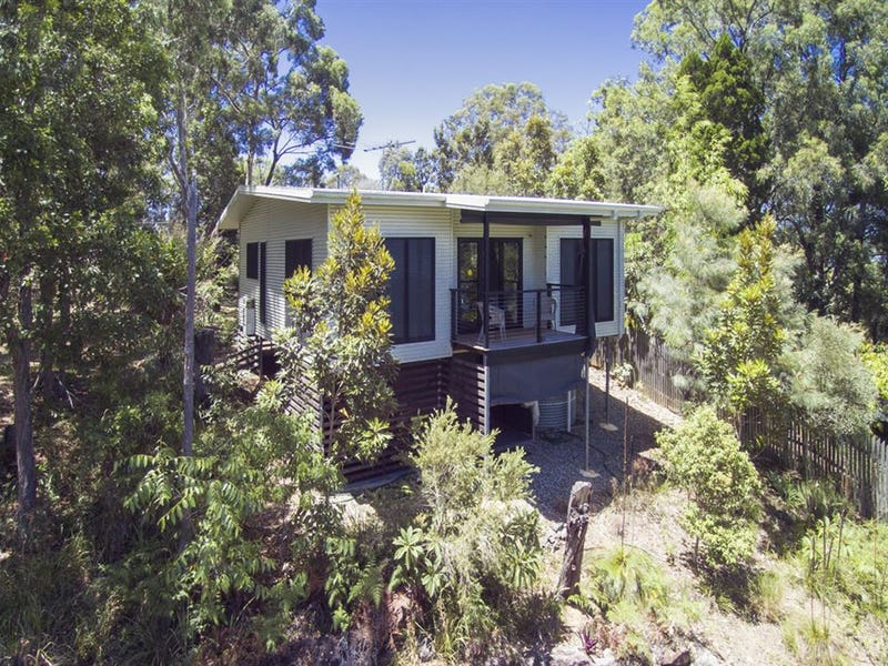 53 Crest Haven, Lamb Island, Qld 4184