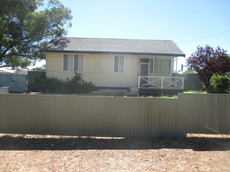 24 Bowden Terrace, Katanning, WA 6317
