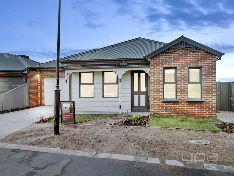 12 Farrow Place, Maddingley, Vic 3340