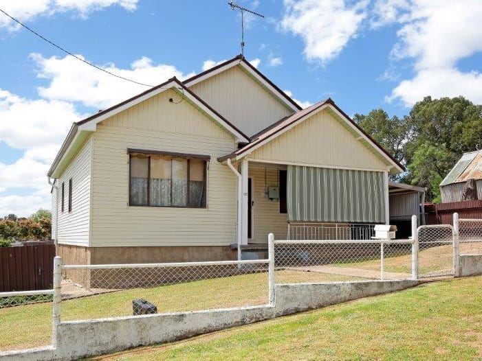 32 Fitzroy St, Junee, NSW 2663