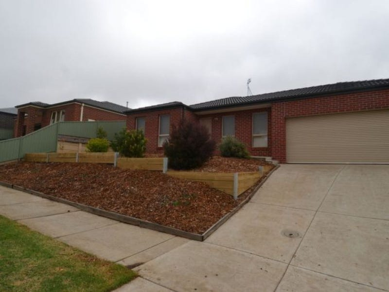 66 Waterford Drive, Miners Rest, Vic 3352