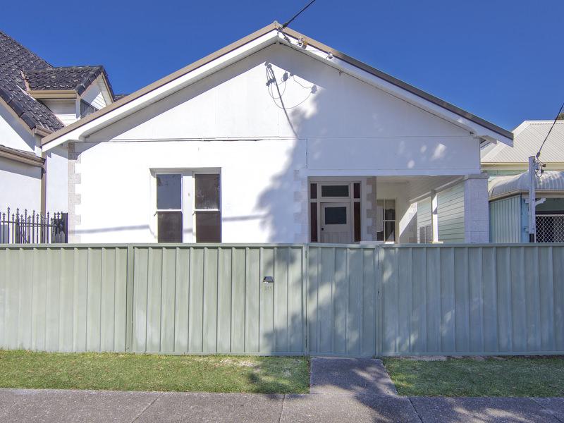 105 Cleary Street, Hamilton, NSW 2303