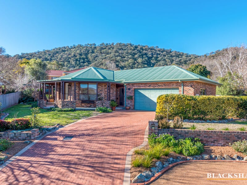 5 Dobell Circuit, Conder, ACT 2906