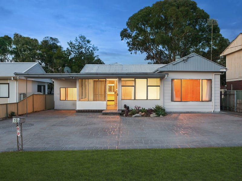 10 Third Avenue, Toukley, NSW 2263