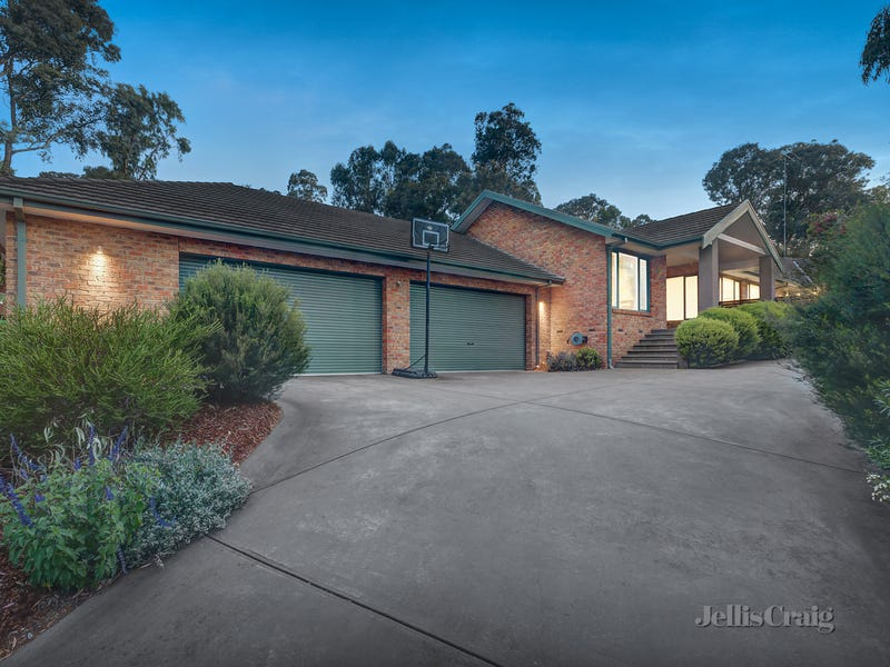 2 Timberglades, Park Orchards, Vic 3114