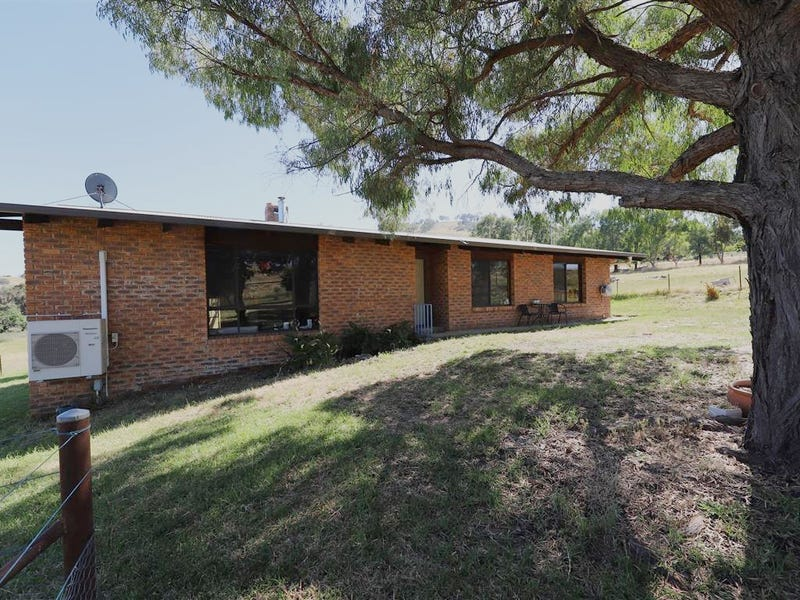 97 Camp Street, Adelong, NSW 2729