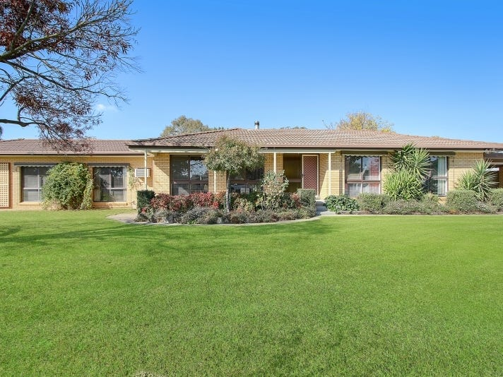 138 Larmer St, Howlong, NSW 2643