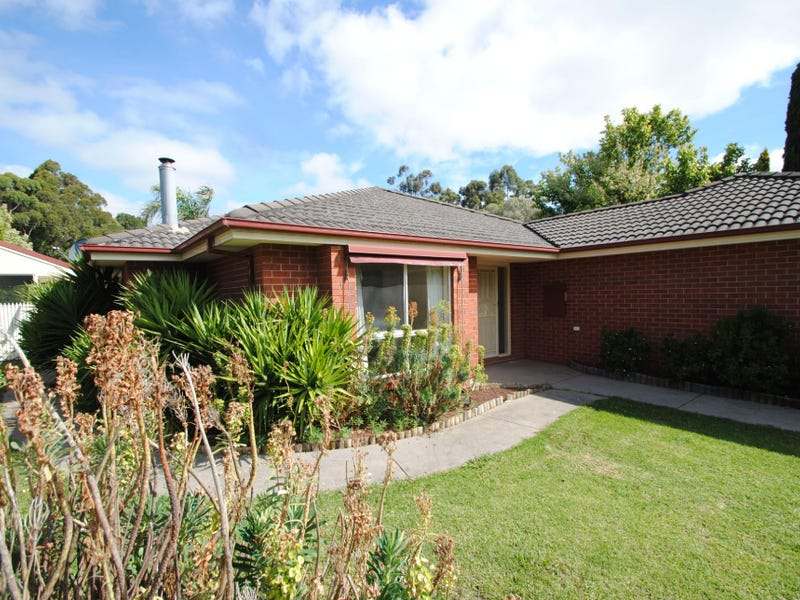 15 CLINTON COURT, Leongatha, Vic 3953