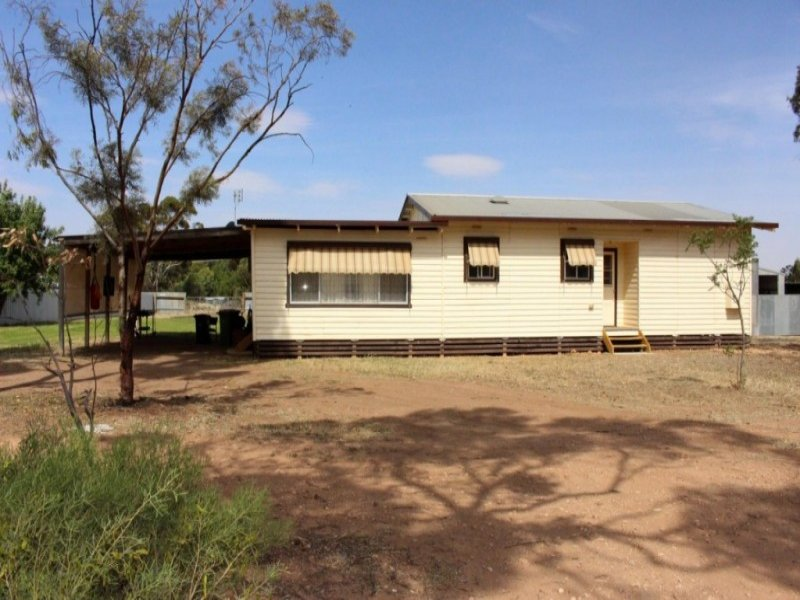 23 Station Street, Piangil, Vic 3597