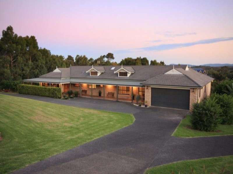 18 Panorama Cres, Forster, NSW 2428