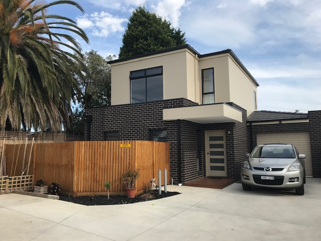 1/12 Cheltenham Road, Newcomb, Vic 3219