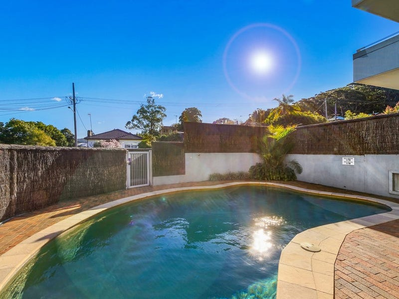 2/13-15 Moore Street, West Gosford, NSW 2250
