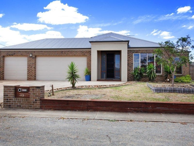 13 Lomandra Bowl, Melton West, Vic 3337