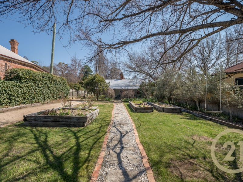 251 Bentinck Street, Bathurst, NSW 2795
