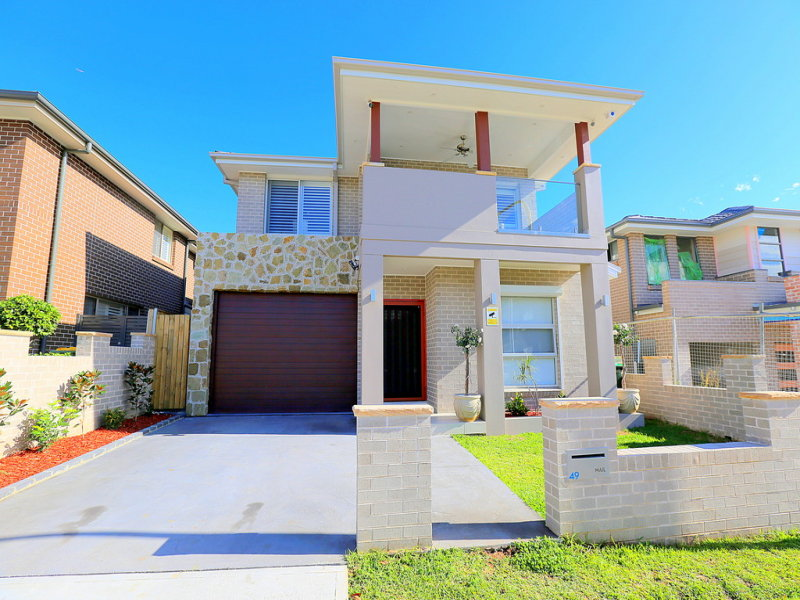 49 Rowe Drive, Potts Hill, NSW 2143